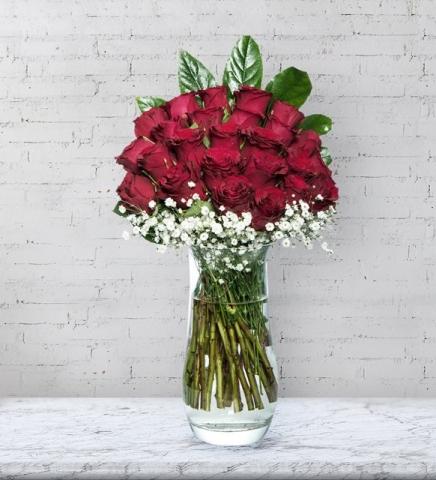 Vazoda 25 Kırmızı Güller